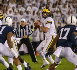 Michigan QB Shea Patterson drops back to pass against the Penn State Nittany Lions